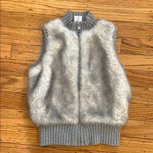 Gymboree Faux Fur Vest, size 5 years